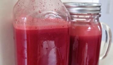 Rote Beete-Möhren-Apfel-Ingwer Juice